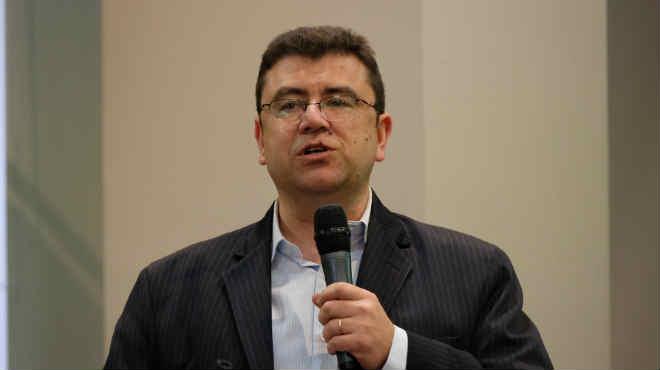 Esteban Lifschitz, Consultor en gesti�n de salud y pol�ticas sanitarias.