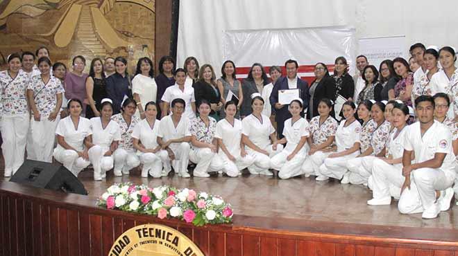 Representantes de la UTN y carrera de Enfermer�a.