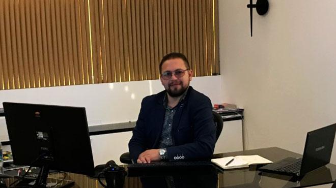 Alex Freire, representante de la empresa A.L.F.