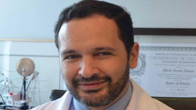 Alberto Azoubel, ur�logo del Hospital das Cl�nicas de S�o Paulo.
