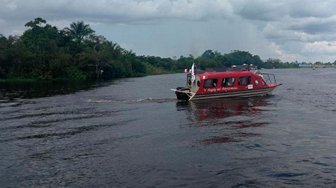 ?Angely del Amazonas?, embarcacion que visita comunidades indígenas.