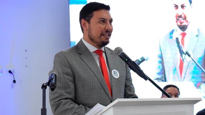 Andr�s Sotomayor, director nacional del Seguro de Salud del IESS.