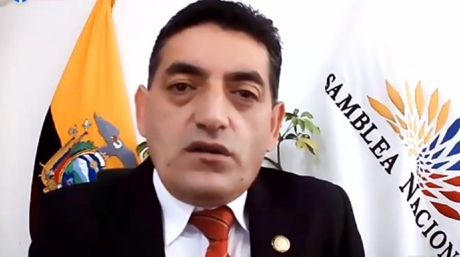 �ngel Sinmaleza, presidente de la Subcomisi�n de Salud.