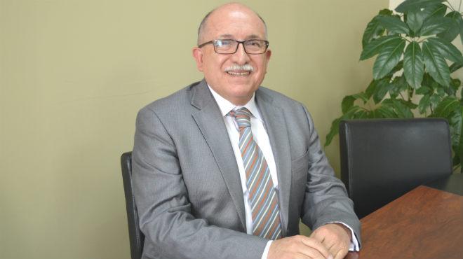 Antonio Dom�nguez, decano de la Facultad de Medicina de la PUCE