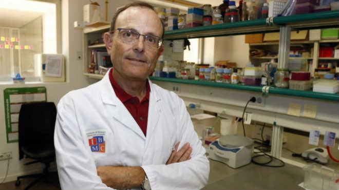 Antonio Ferrer, catedr�tico de la UMH