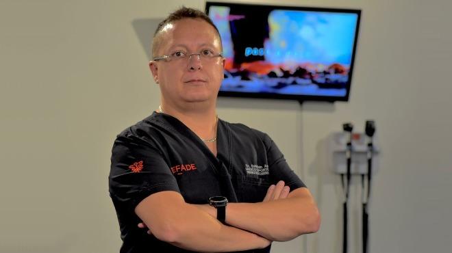 Esteban Arroyo, m�dico deport�logo creador de la plataforma Fitness and Health Ecuador.