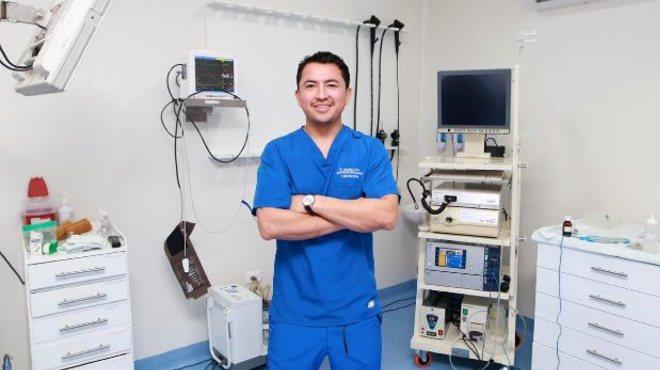 Jonathan Jerez, m�dico gastroenter�logo.