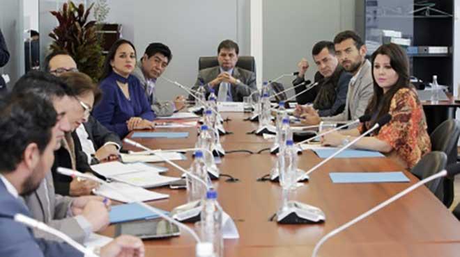 Miembros de la Comisi�n Permanente del Derecho a la Salud.