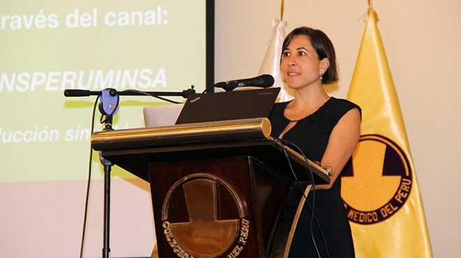 Carla Saenz, asesora regional en Bio�tica de OPS/OMS.