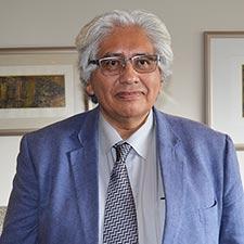 Carlos Castillo-Ch�vez.