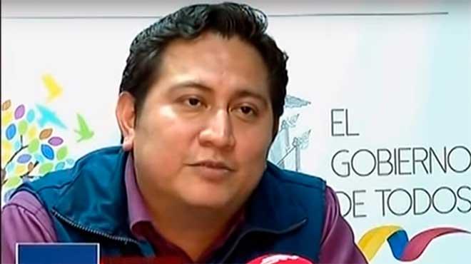 Carlos Tumbaco, de la Direcci�n de Vigilancia de Salud de la Zona 8