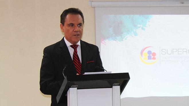 Carlos Ochoa, superintendente de la informaci�n y comunicaci�n.