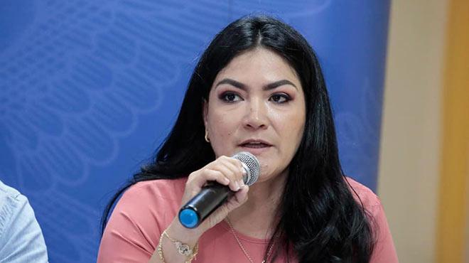 Catalina Andramuño, ministra de Salud.