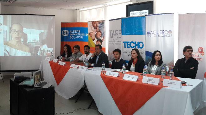 Miembros de varias organizaciones de la sociedad civil.