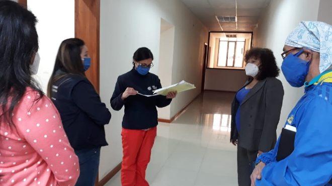 Marlene �lvarez, decana de la Facultad de Ciencias M�dicas, se reuni� con personeros de varias instituciones.