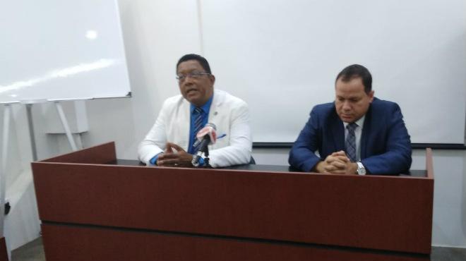 Wilson Tenorio, vicepresidente del CMG, y Ernesto Carrasco, presidente de la FME.