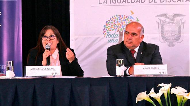 Marcia �lvarez, representante de la UNFPA, y Xavier Torres, presidente del Conadis.
