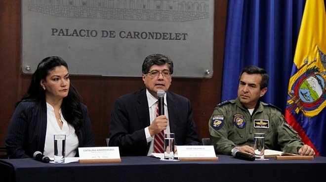 Catalina Andramu�o, Jos� Valencia y Alex Padilla.