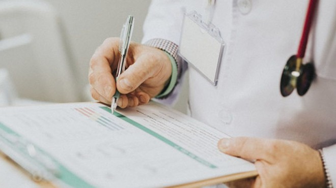 Unos 10 profesionales han fallecido por la enfermedad en la atenci�n hospitalaria.