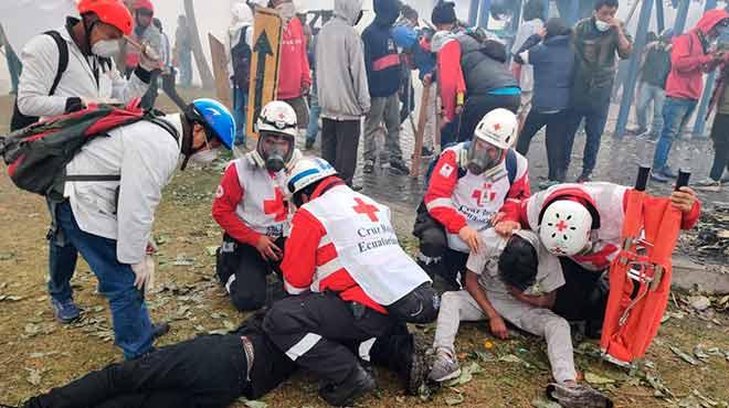 La instituci�n cont� con 42 ambulancias y con 12 veh�culos.
