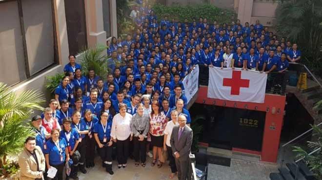 Voluntarios de Cruz Roja Ecuatoriana.