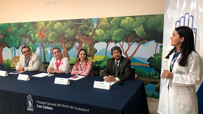 Autoridades del Hospital General del Norte de Guayaquil Los Ceibos del IESS.
