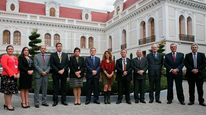 Representantes de pa�ses que participaron en la reuni�n regional sobre ciudadanos venezolanos en las Am�ricas.