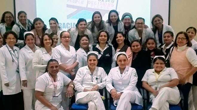 Personal de salud el Hospital de Niños Roberto Gilbert Elizalde.