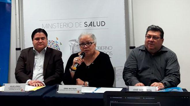 Julio L�pez, viceministro de Atenci�n Integral en Salud, Gina Watson, representante de la OPS/OMS en Ecuador, y Jos� Luis San Mart�n, asesor regional en arbovirosis.