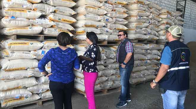 Ecuador produce alrededor de 800.000 toneladas de arroz, volumen suficiente para abastecer la demanda nacional.