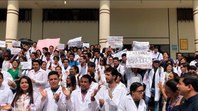 Las manifestaciones de los estudiantes se mantienen.