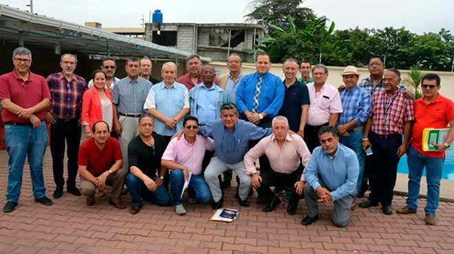 M�dicos que participaron en el quinto directorio nacional ordinario de la FME.