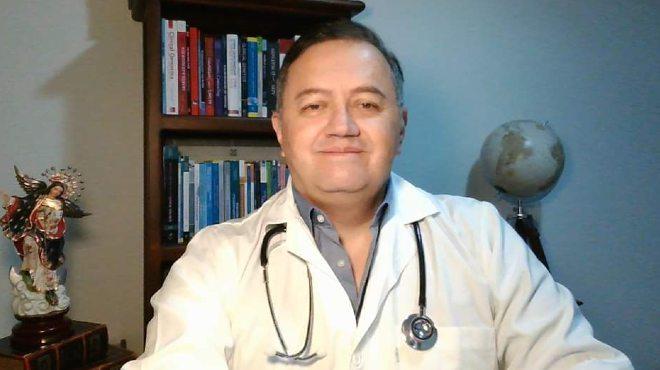 Fabricio Gonz�lez Andrade, m�dico e investigador de la UCE.