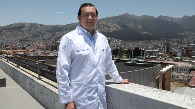 Fabricio Gonz�lez-Andrade, m�dico investigador de la UCE.