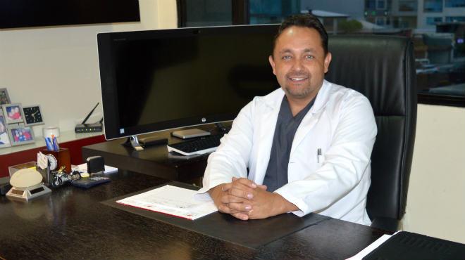 Fernando Moscoso, cirujano pl�stico est�tico y reconstructivo.
