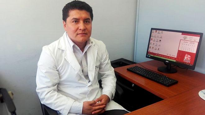 Francisco Ortega, l�der del Servicio de Angiograf�a del HEEE.