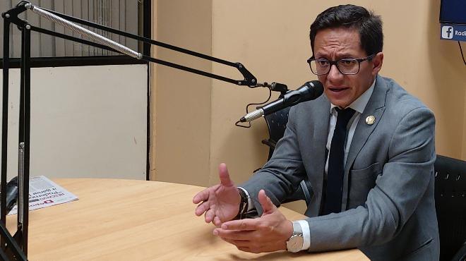 Freddy Carri�n Intriago, defensor del Pueblo.