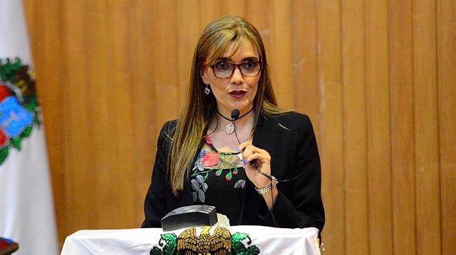 Gabriela Delgado, directora del Departamento de Farmacia de la Universidad Nacional