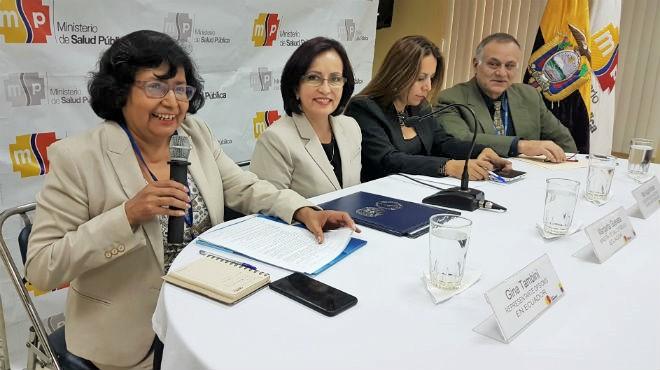 Autoridades presentes en el lanzamiento de la campaña Vacunación con Responsabilidad y Amor