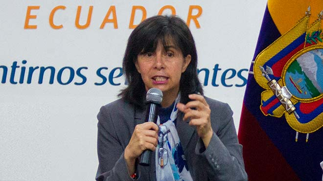 Gina Benavides, defensora del pueblo (e).