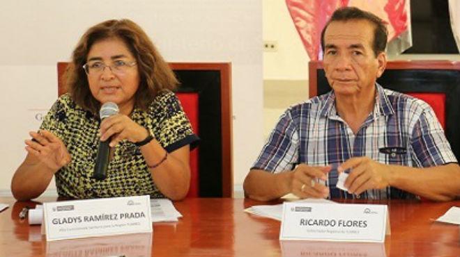 Gladys Ramírez Prada y Ricardo Flores, funcionarios del MINSA.