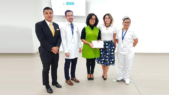 Autoridades del HQSUR reciben la certificaci�n del MSP.