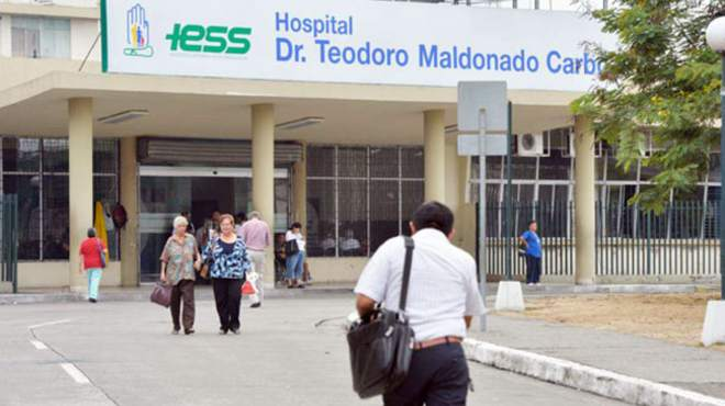 El nuevo gerente del hospital denunci� el hallazgo de ventiladores mec�nicos en buen estado.