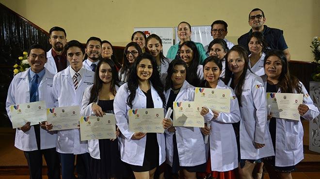 Estudiantes de Medicina de la Universidad Cat�lica de Cuenca cumplieron su internado rotativo.