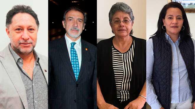 C�sar Paz y mi�o, Patricio Barzallo, Bertha Estrella y Lucy Balde�n, investigadores.