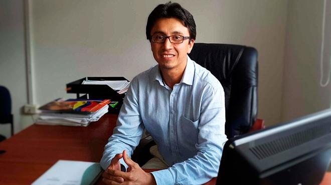 Iv�n Due�as Esp�n, docente investigador del ISP-PUCE.