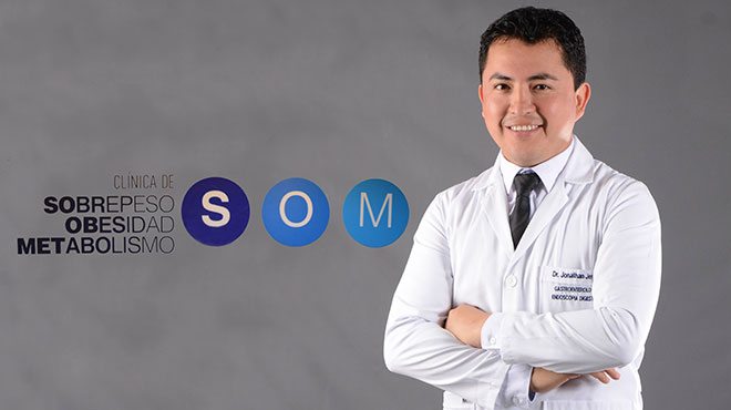 Jonathan Jerez, m�dico gastroenter�logo endoscopista de la Cl�nica SOM.