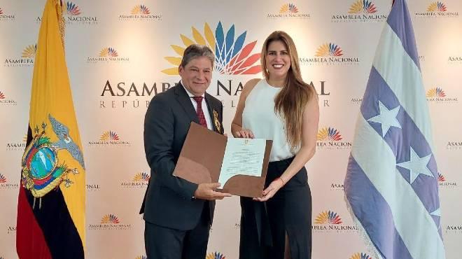 Jos� Luis Vergara Centeno y Cristina Reyes.