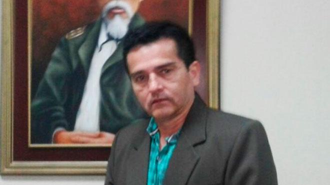 Jos� Pedro Mu�oz, decano de la Facultad de Odontolog�a de la ULEAM.