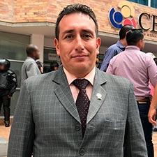 Julio Ocampo, presidente de la asociaci�n de profesores de la Facultad de Medicina de la UCE.